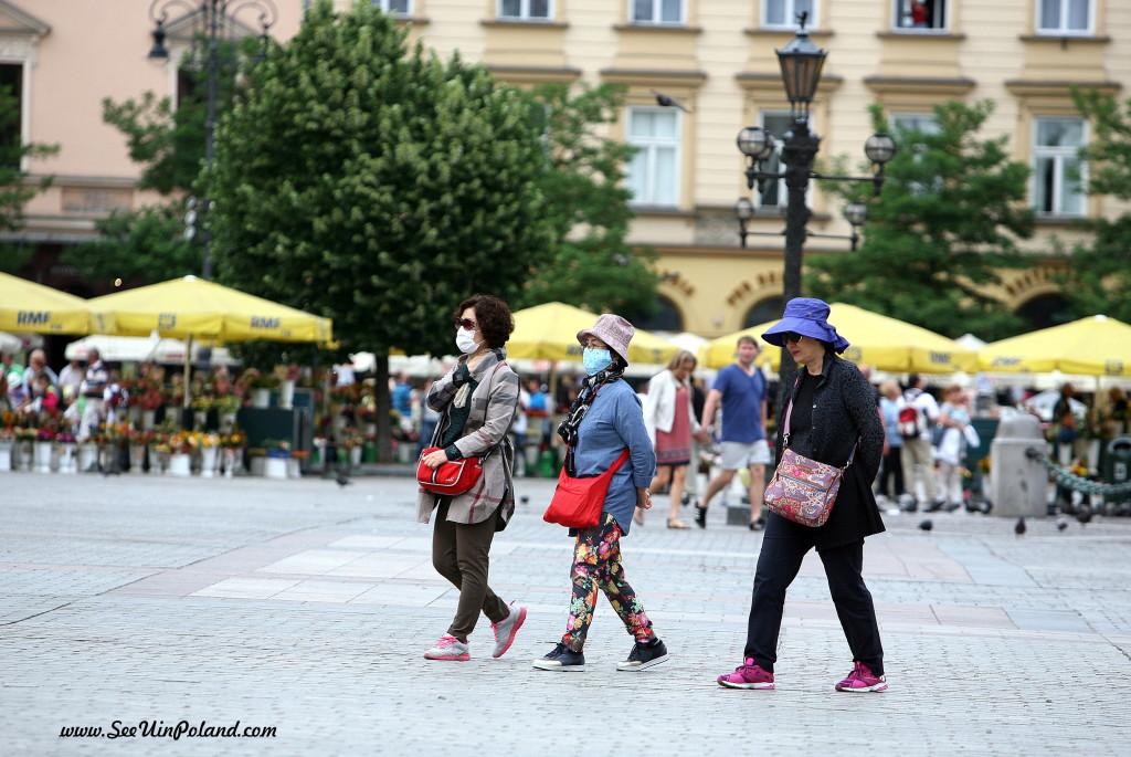 Jak głosi wieść gminna - powietrze w Krakowie jest dobre, trzeba je tylko dobrze pogryźć.