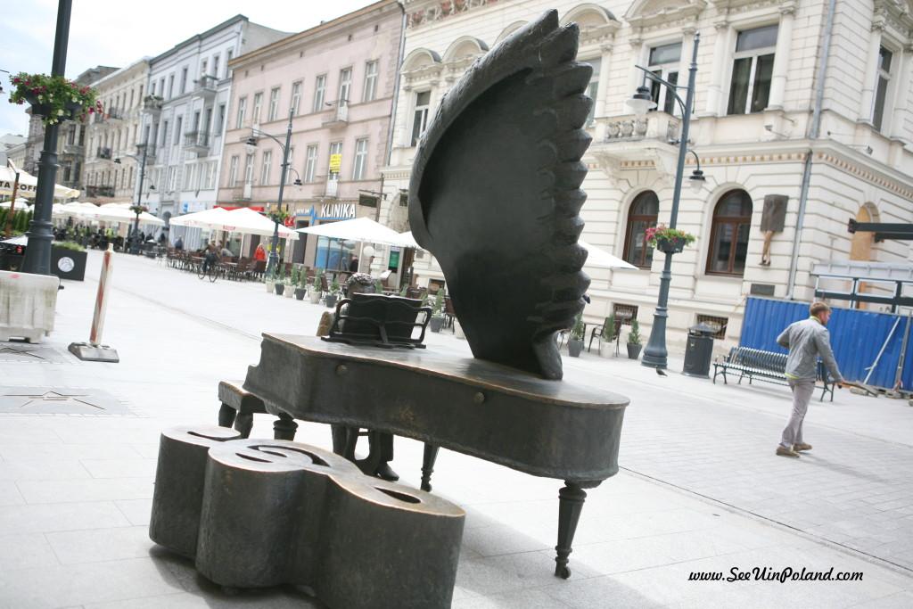 Fortepian Rubinsteina w Łodzi pomniczki
